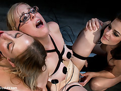 Penny Pax  Lizzy London  Bobbi Starr in Penny And Lizzy Are Back For More - Electrosluts